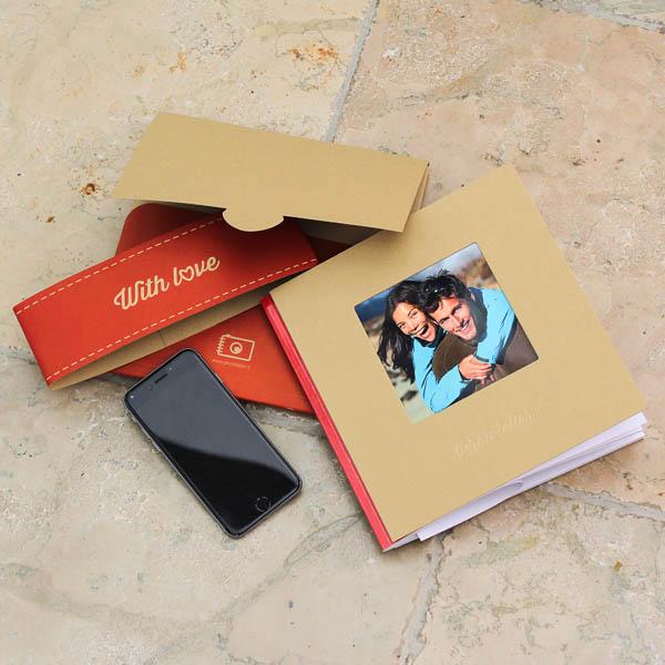 Phototeller Book Fotolibro Copertina rigida in cartoncino con finestra